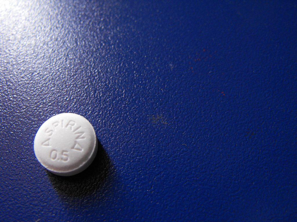 Que-efecto-tienen-las aspirinas-en-las caries-Medical-Implant
