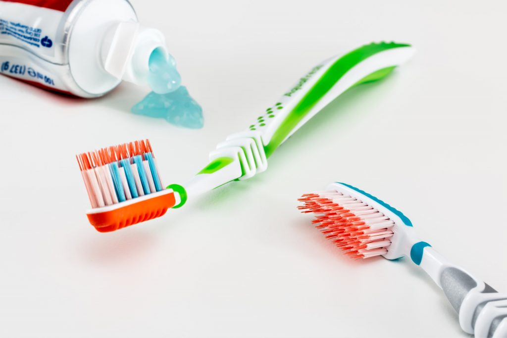 cepillos_dientes_eléctrico_manual